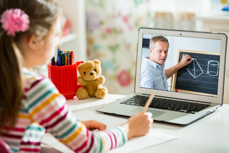 Live streaming for distance learning can be more effective with the right tools and accessories